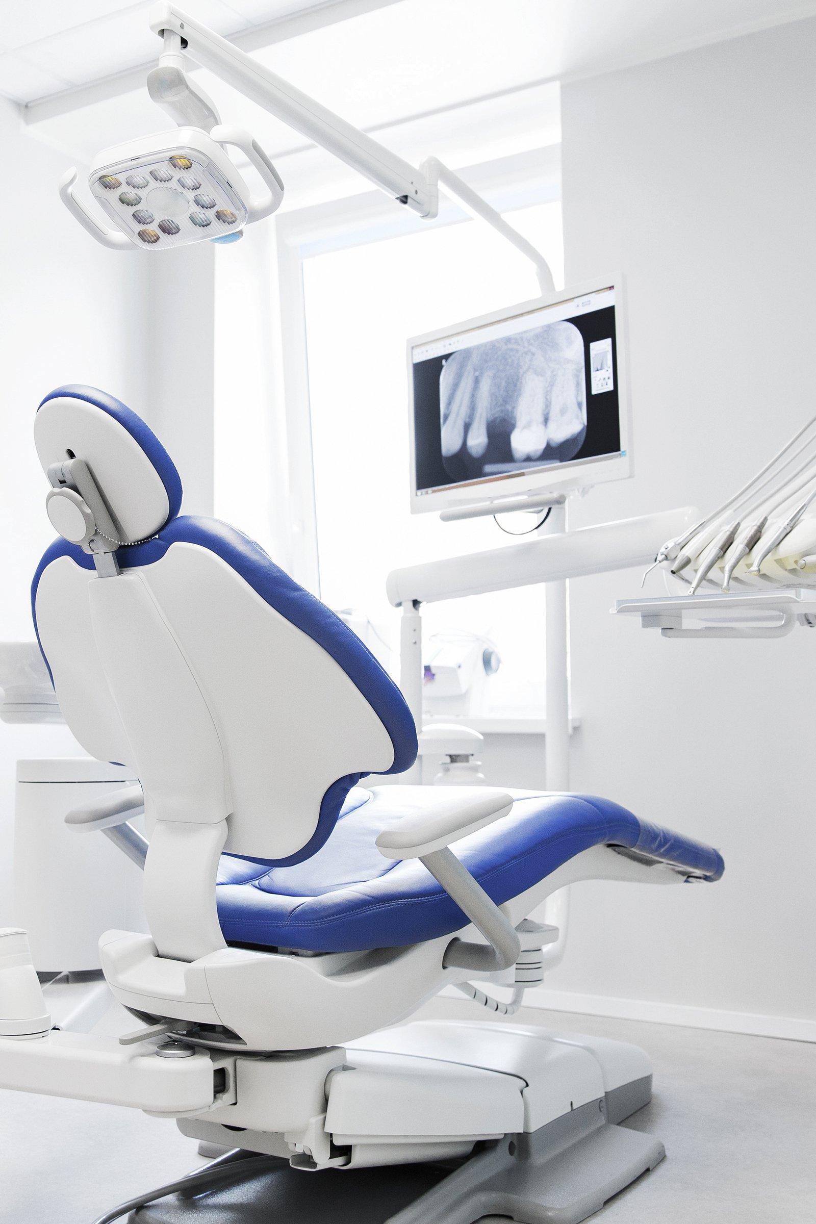 clínica dental en girona